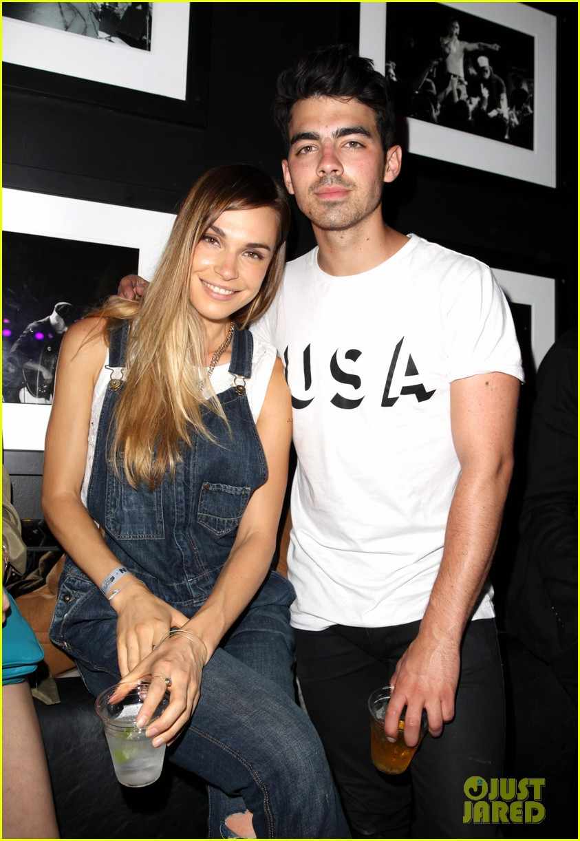victoria justice joins joe jonas at nylons music issue party 193122577