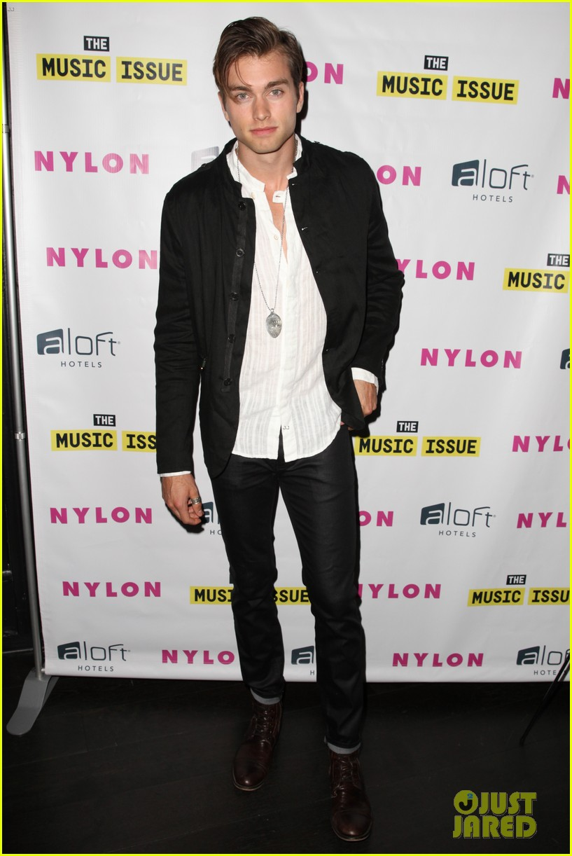 victoria justice joins joe jonas at nylons music issue party 223122580