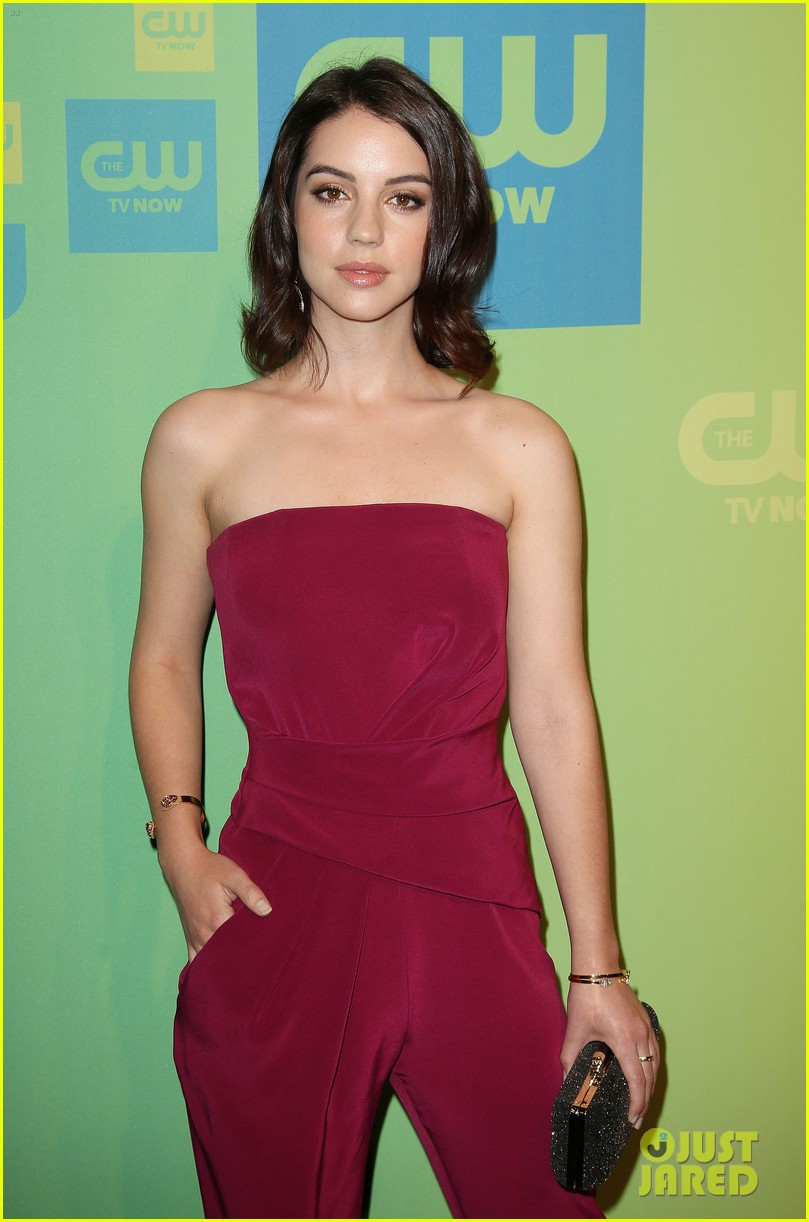 adelaide kane reigns supreme at cw upfront 2014 02