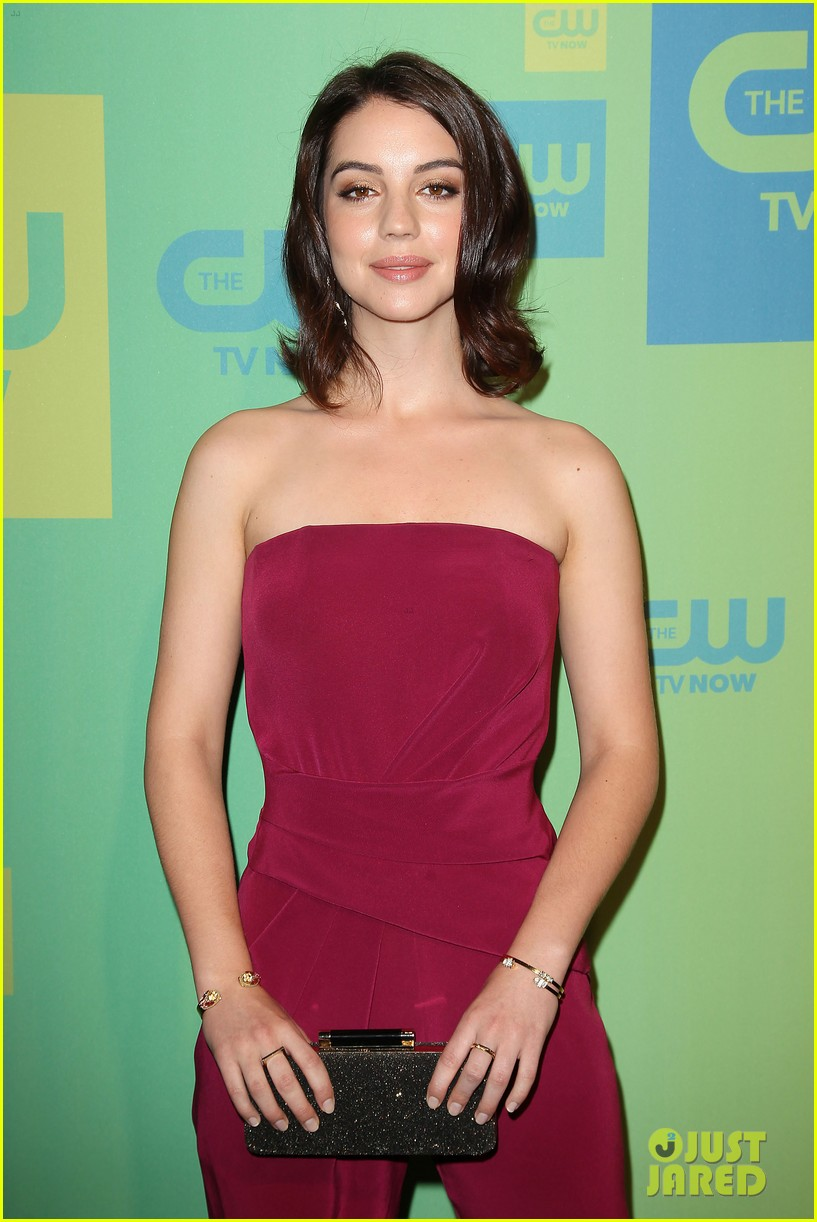 adelaide kane reigns supreme at cw upfront 2014 083114165