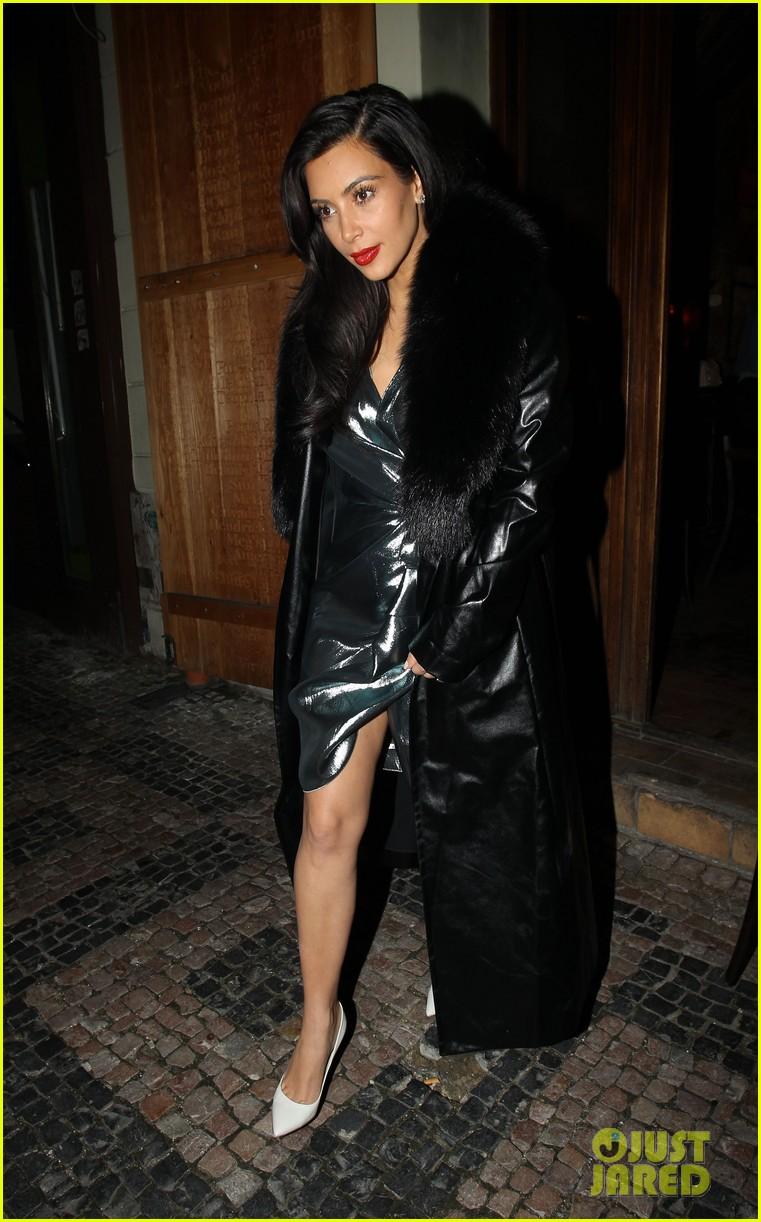 kim kardashian wears flashy dress for honeymoon date night 123124754