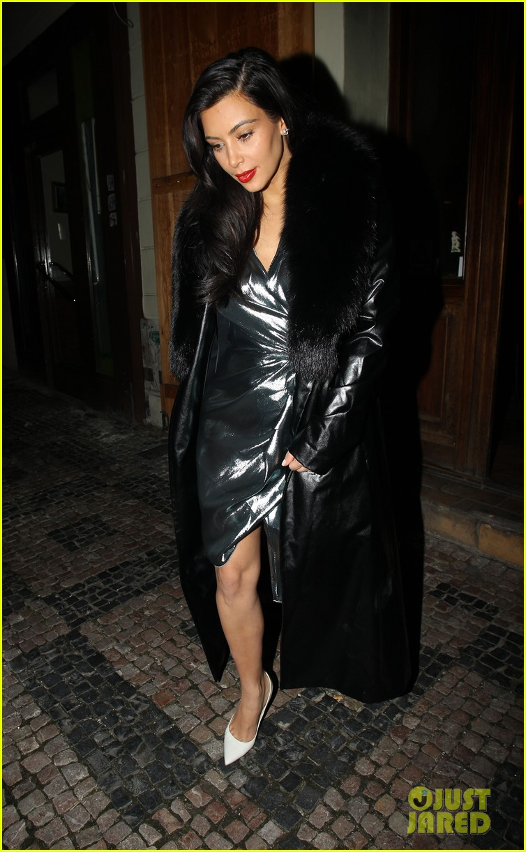 kim kardashian wears flashy dress for honeymoon date night 14
