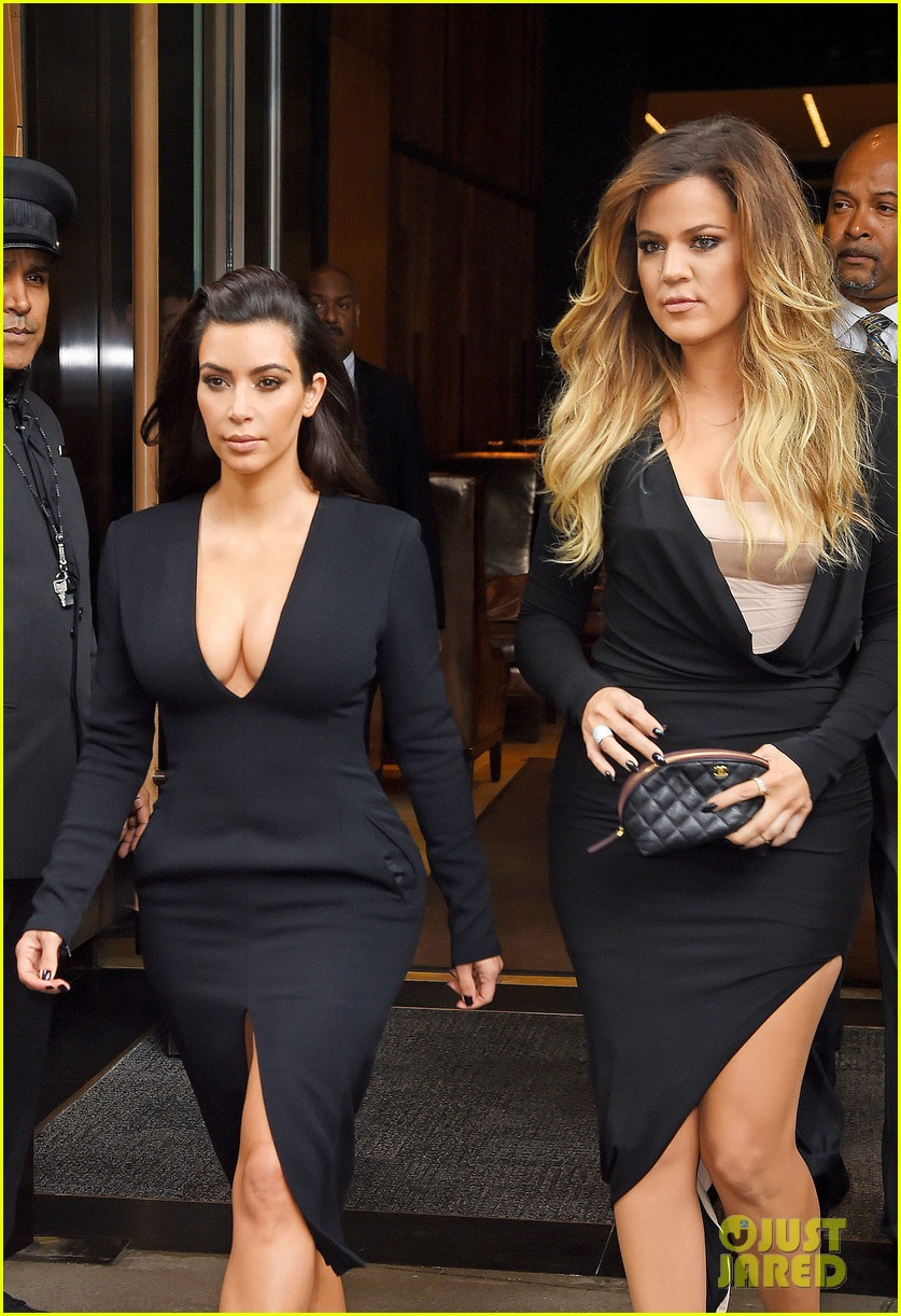 kim kardashian flashes major cleavage at nbcu upfronts 11