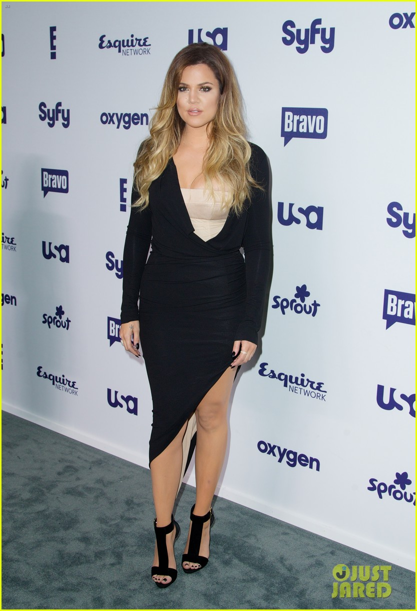 kim kardashian flashes major cleavage at nbcu upfronts 123114311