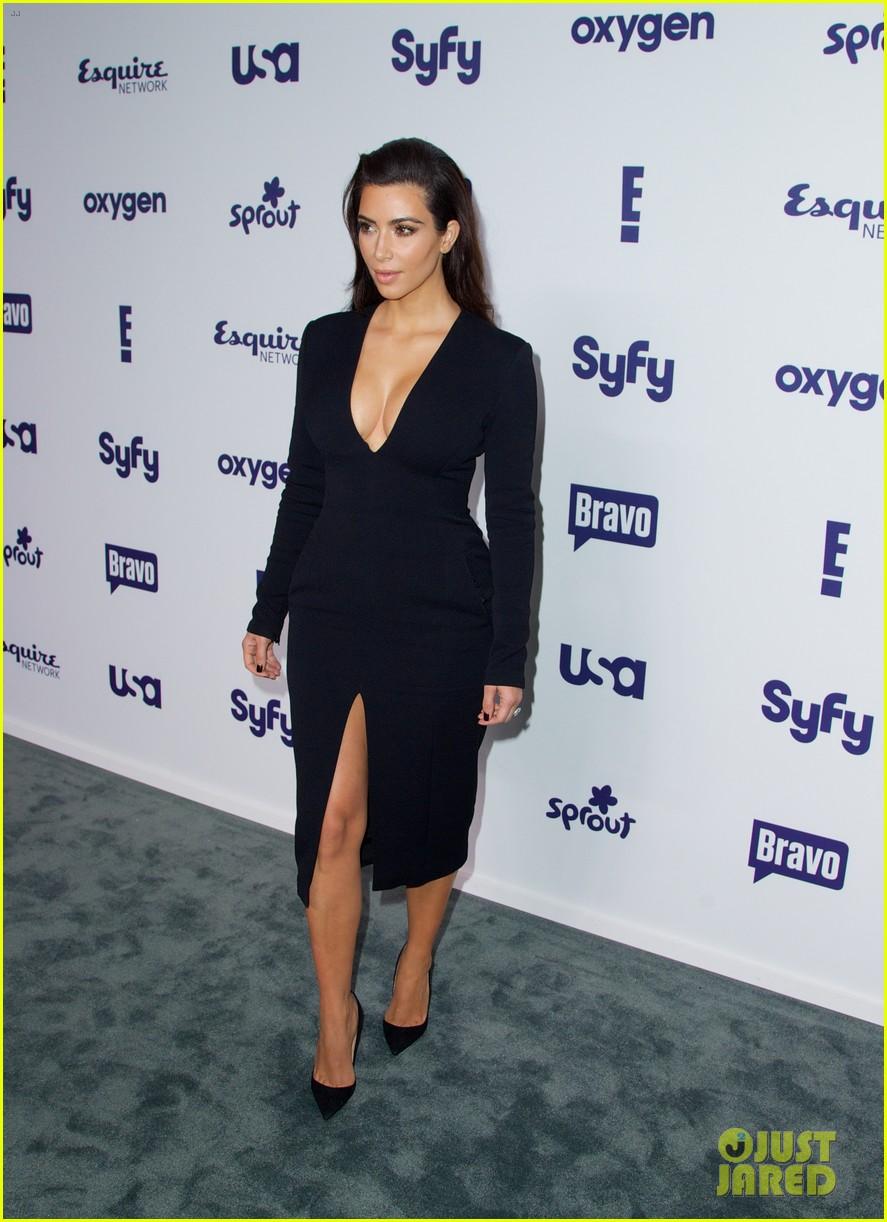kim kardashian flashes major cleavage at nbcu upfronts 143114313