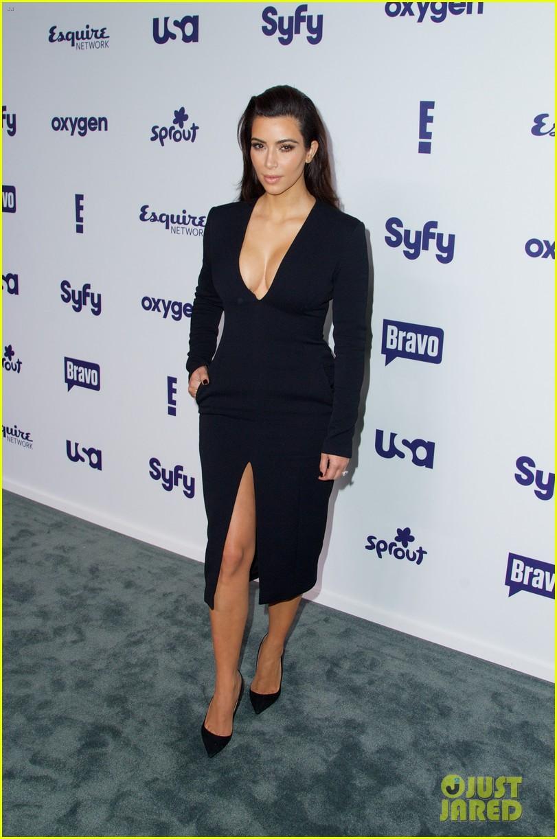 kim kardashian flashes major cleavage at nbcu upfronts 153114314