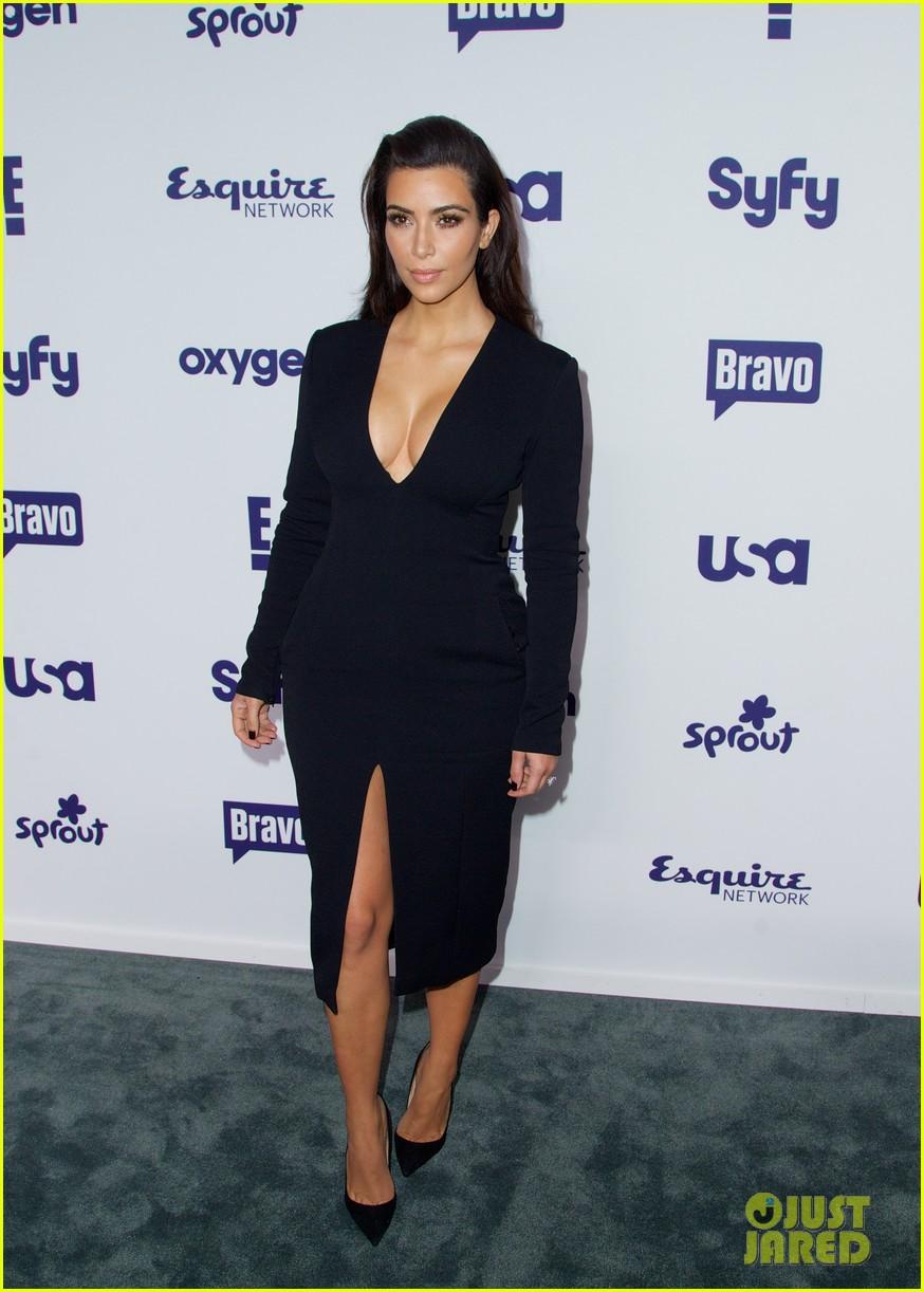 kim kardashian flashes major cleavage at nbcu upfronts 163114315