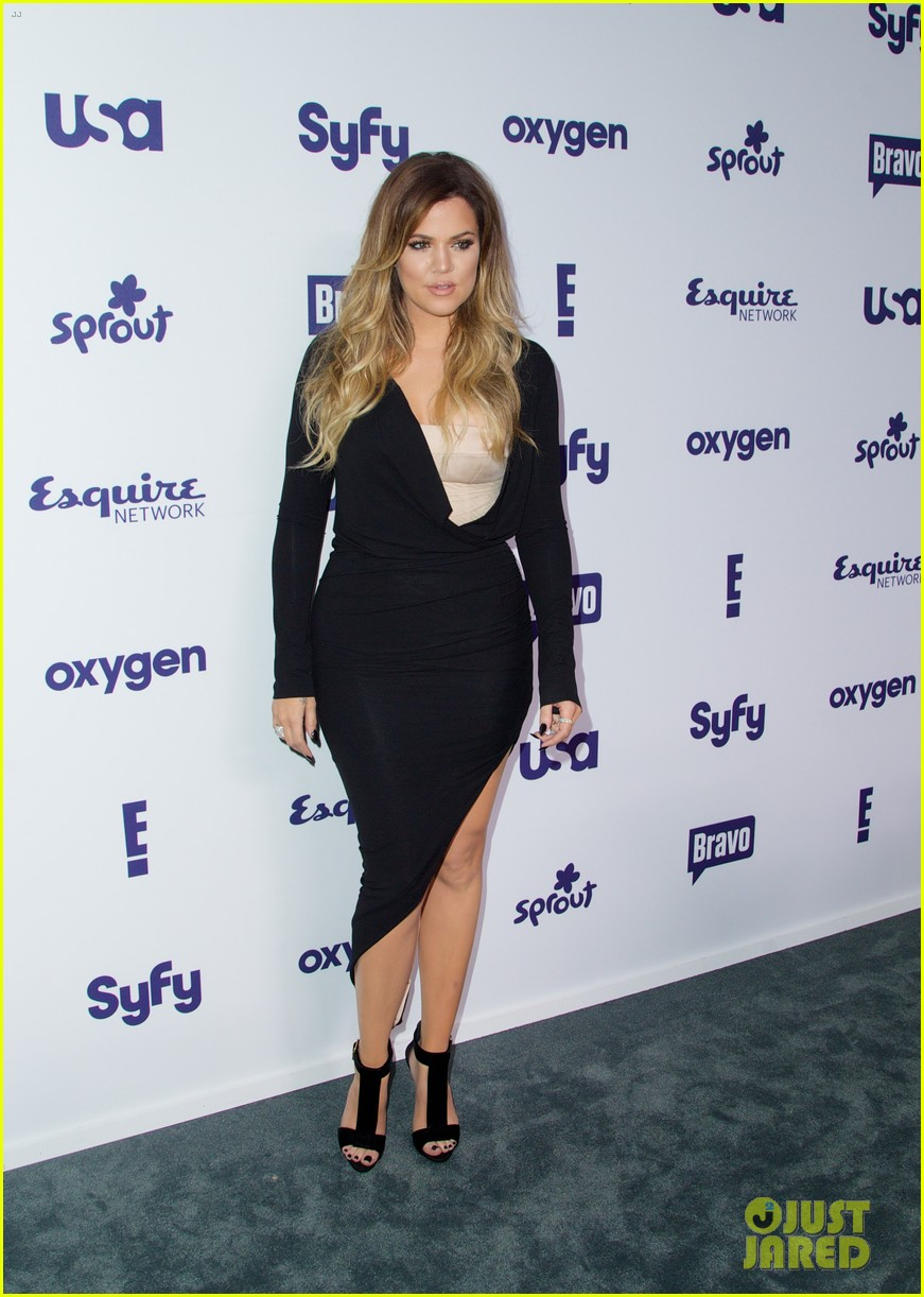 kim kardashian flashes major cleavage at nbcu upfronts 213114320