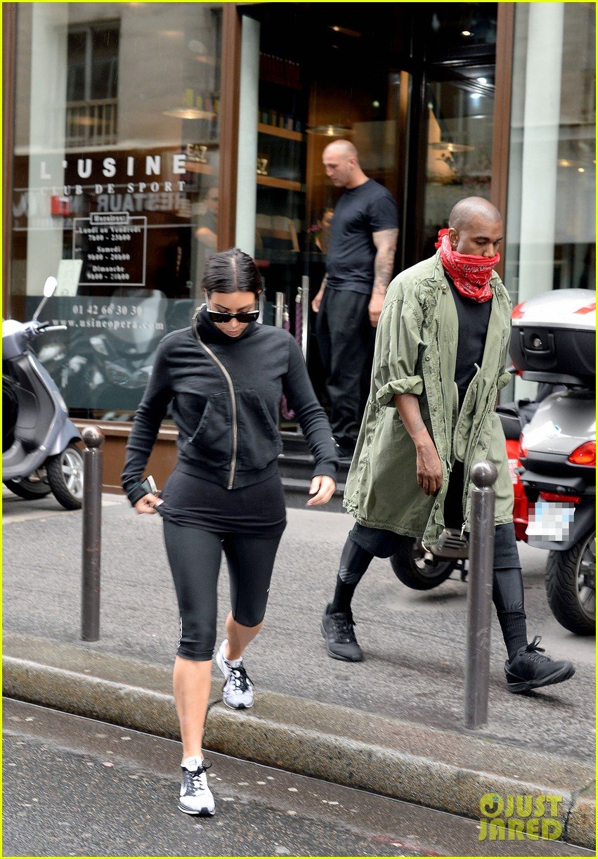 kim kardashian kanye wests wedding guests will get private tour of versailles 073118732