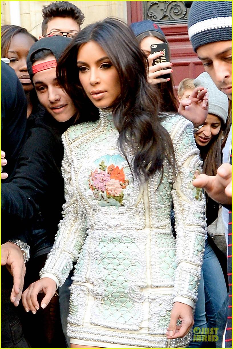kim kardashian changes into sexy short dress 173120087