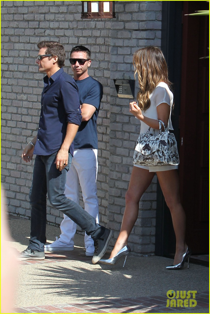 kate beckinsale tobey maguire attend star studded memorial day party 063122709