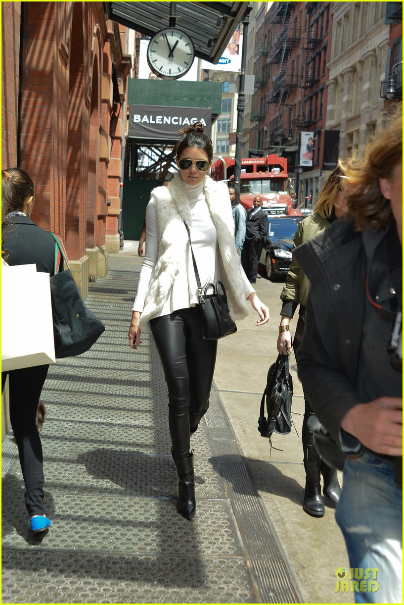 kendall kylie jenner boots in soho 033107507