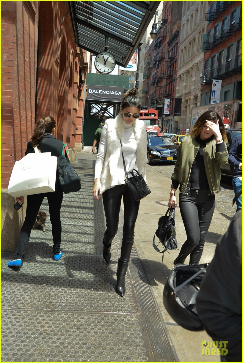 kendall kylie jenner boots in soho 063107510