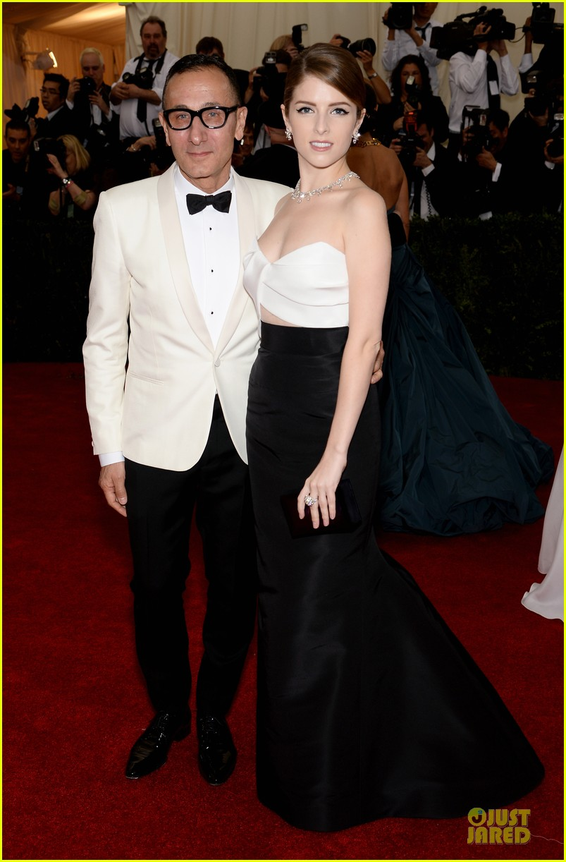 anna kendrick glamour at met ball 2014 013106001