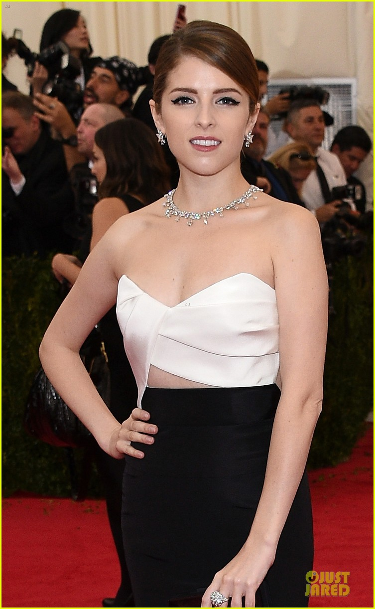 anna kendrick glamour at met ball 2014 02