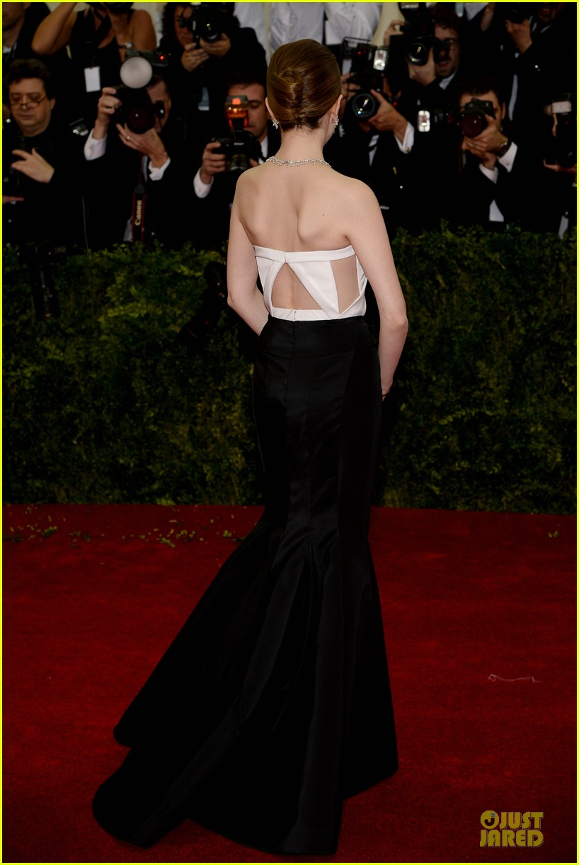 anna kendrick glamour at met ball 2014 033106003
