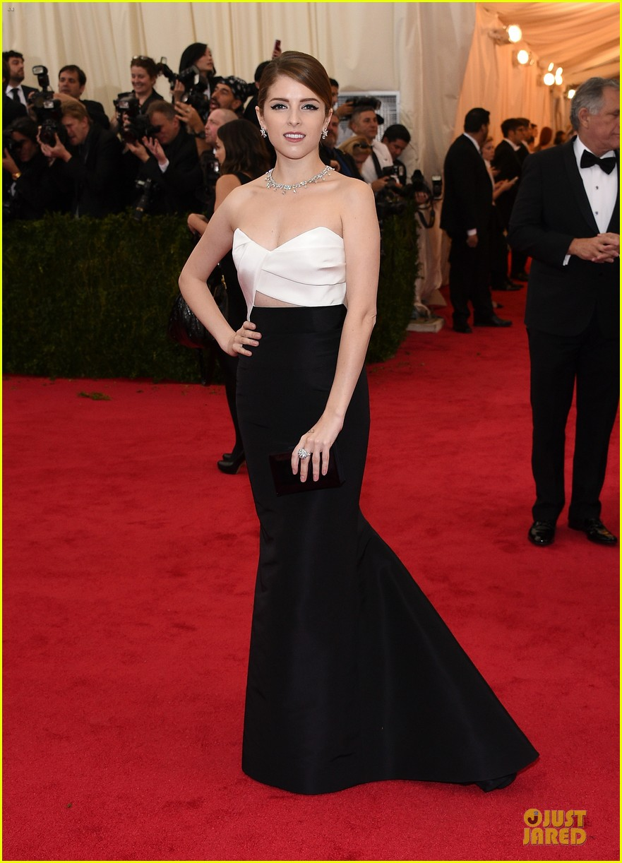 anna kendrick glamour at met ball 2014 053106005