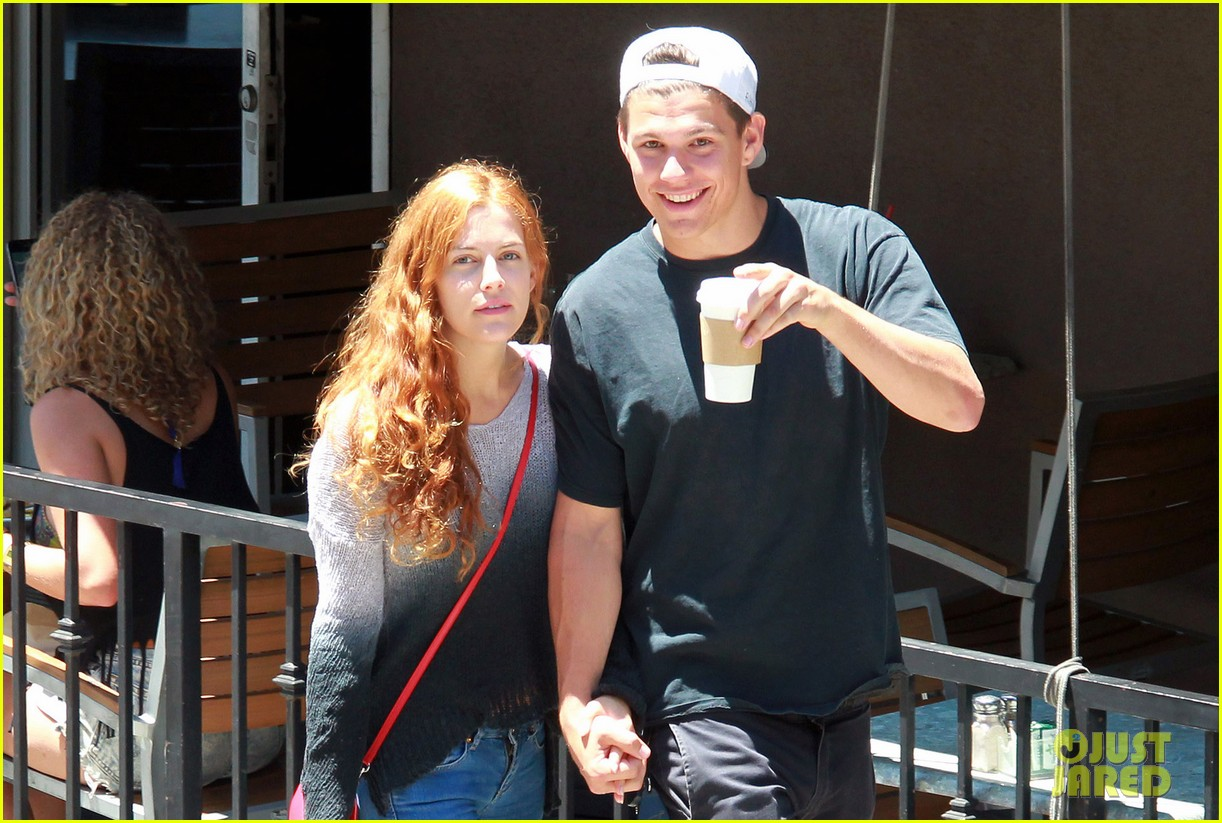 riley keough ben smith petersen smooch on their day date 033113130