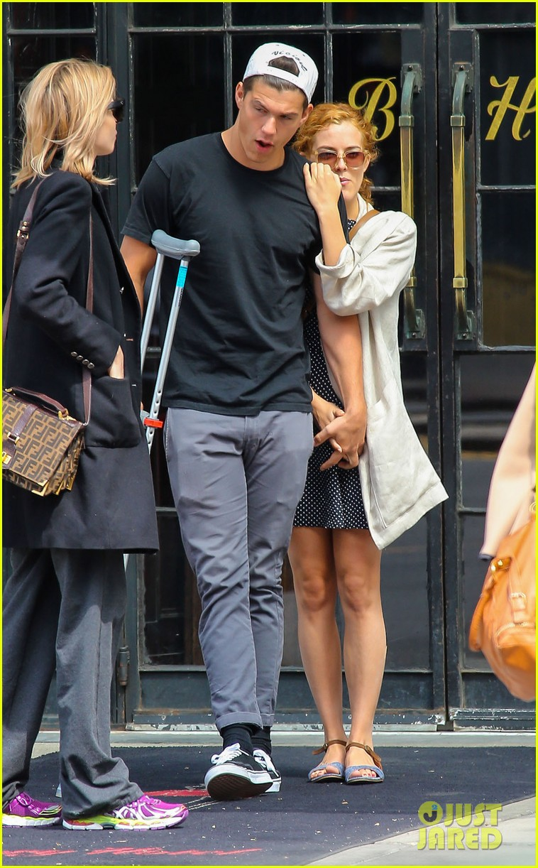 riley keough leans on ben smith petersen in nyc 023108638