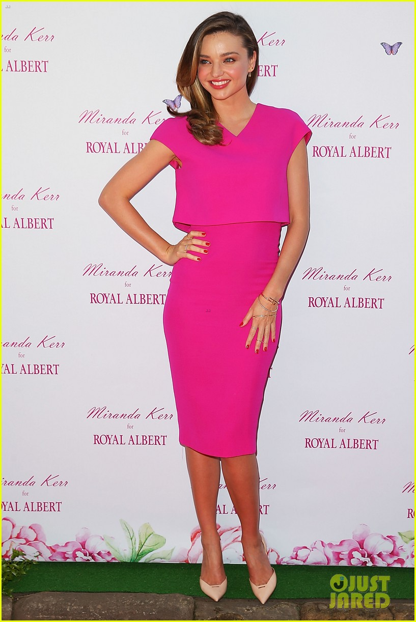miranda kerr rocks two chic looks to promote her teaware 063114746