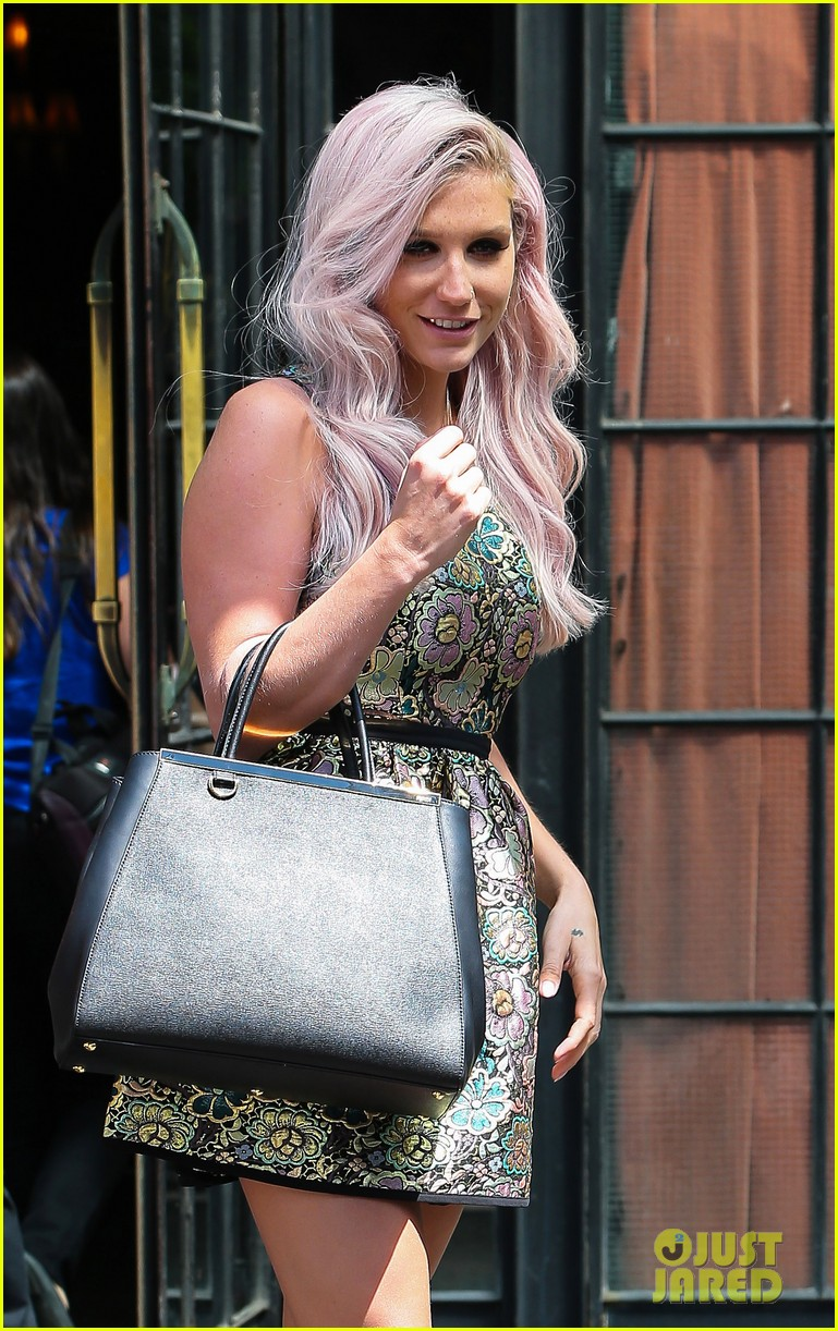 kesha new boyfriend continue their new york city getaway 103124557