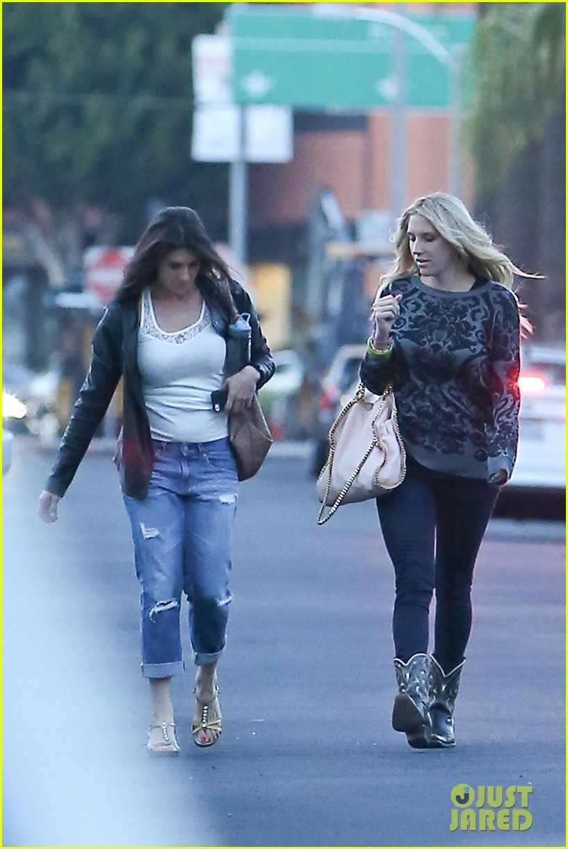 kesha steps out in hollywood for a girls night 043102980