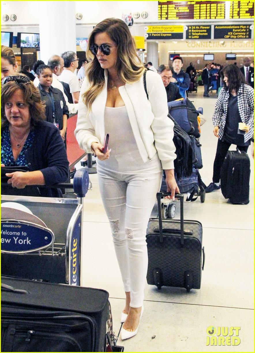 khloe kardashian wishes scott disick happy birthday mugshot 073122630