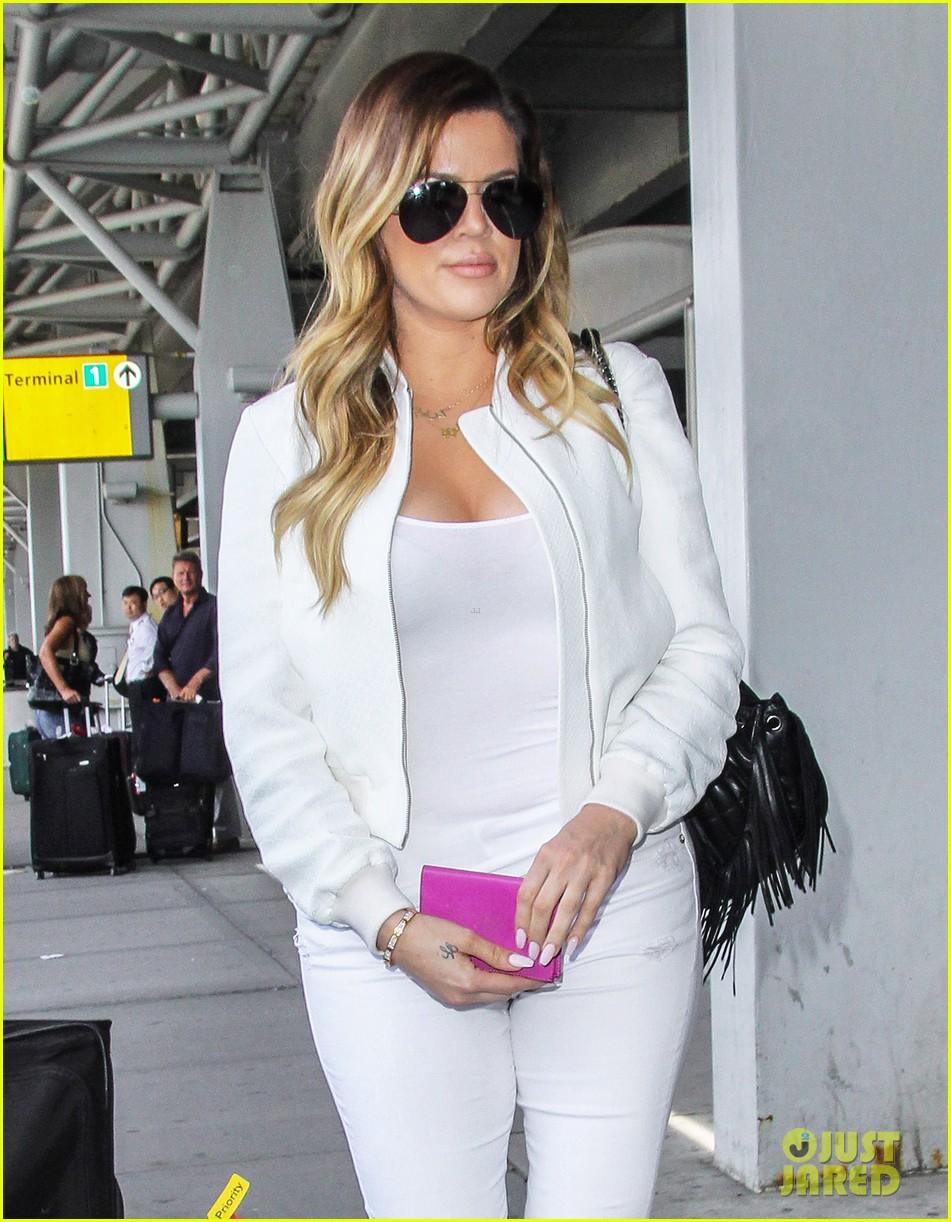 khloe kardashian wishes scott disick happy birthday mugshot 213122644
