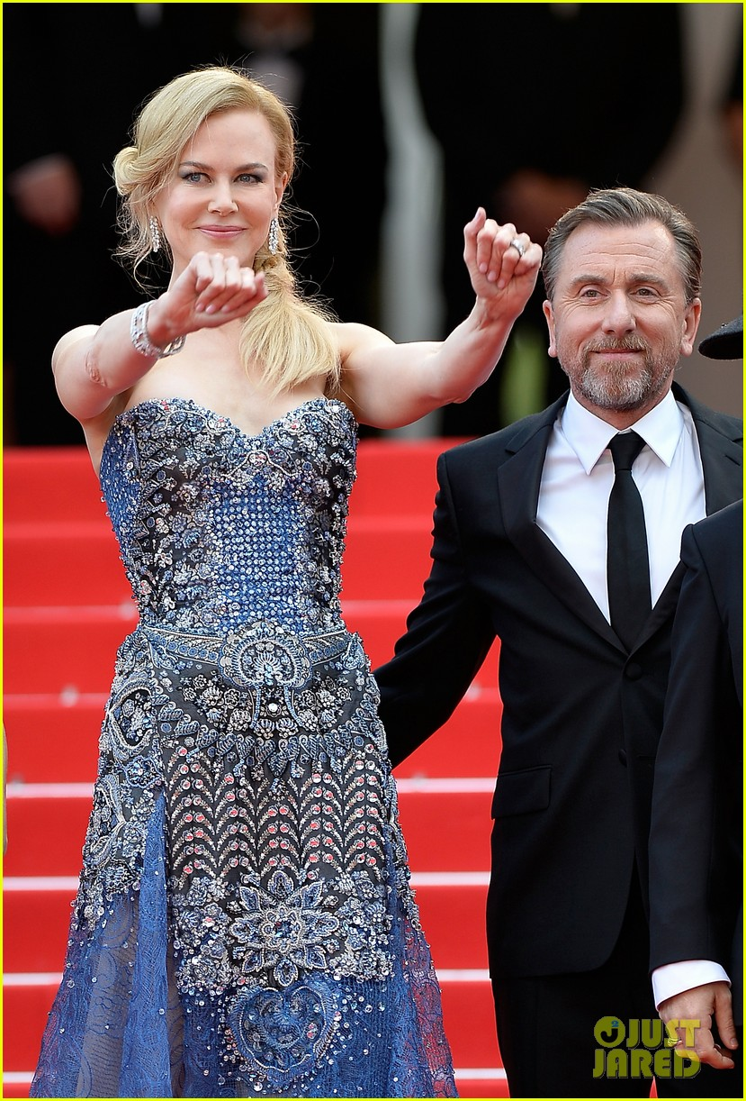 nicole kidman wears gorgeous intricately beaded gown for grace of monaco cannes premiere 043113195