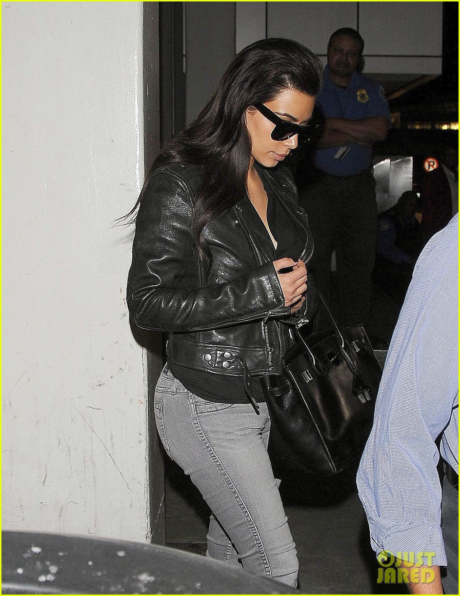 kim kardashian shares big booty pic of her khloe 063114904