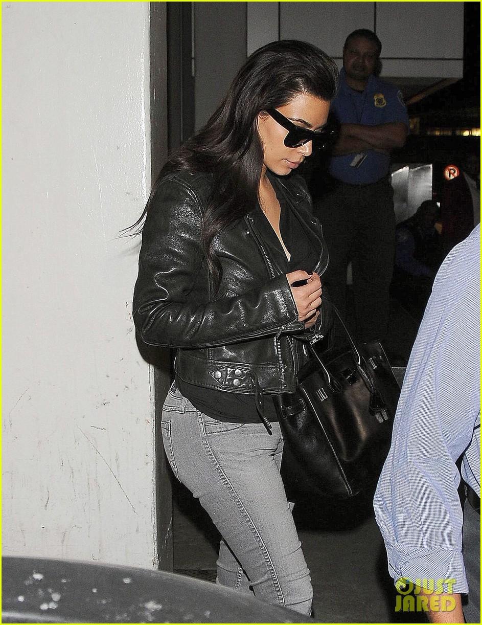 kim kardashian shares big booty pic of her khloe 06