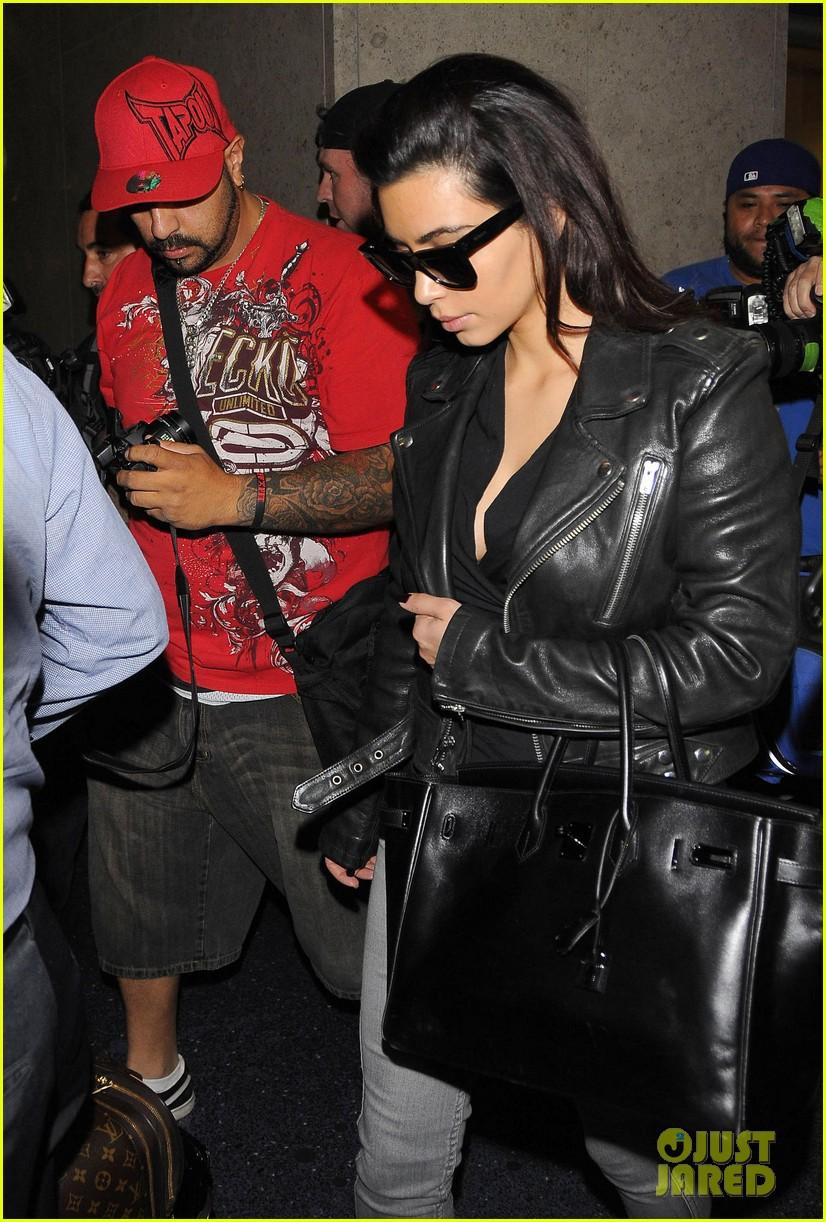 kim kardashian shares big booty pic of her khloe 093114907