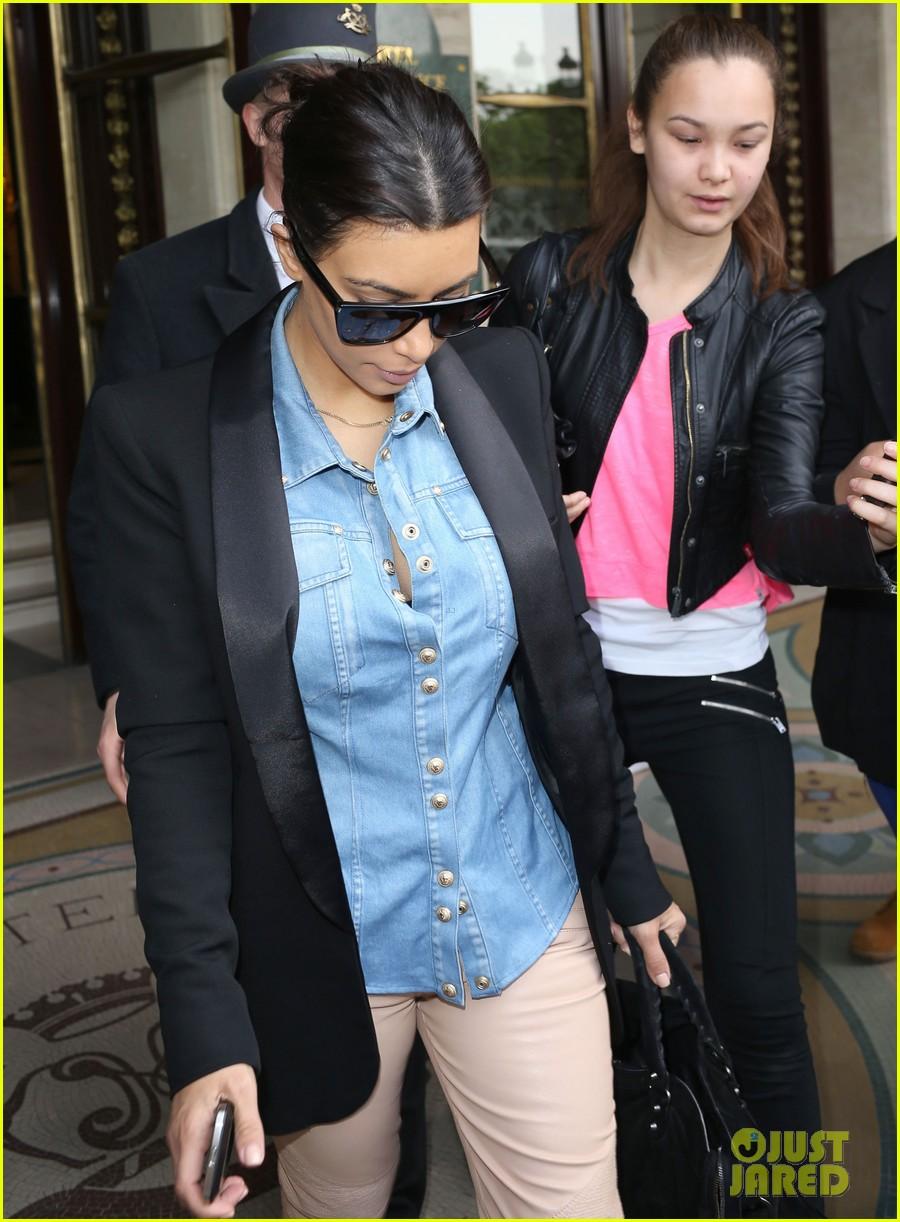 kim kardashian wears same shirt two days in a row after wedding dress shopping 043102921
