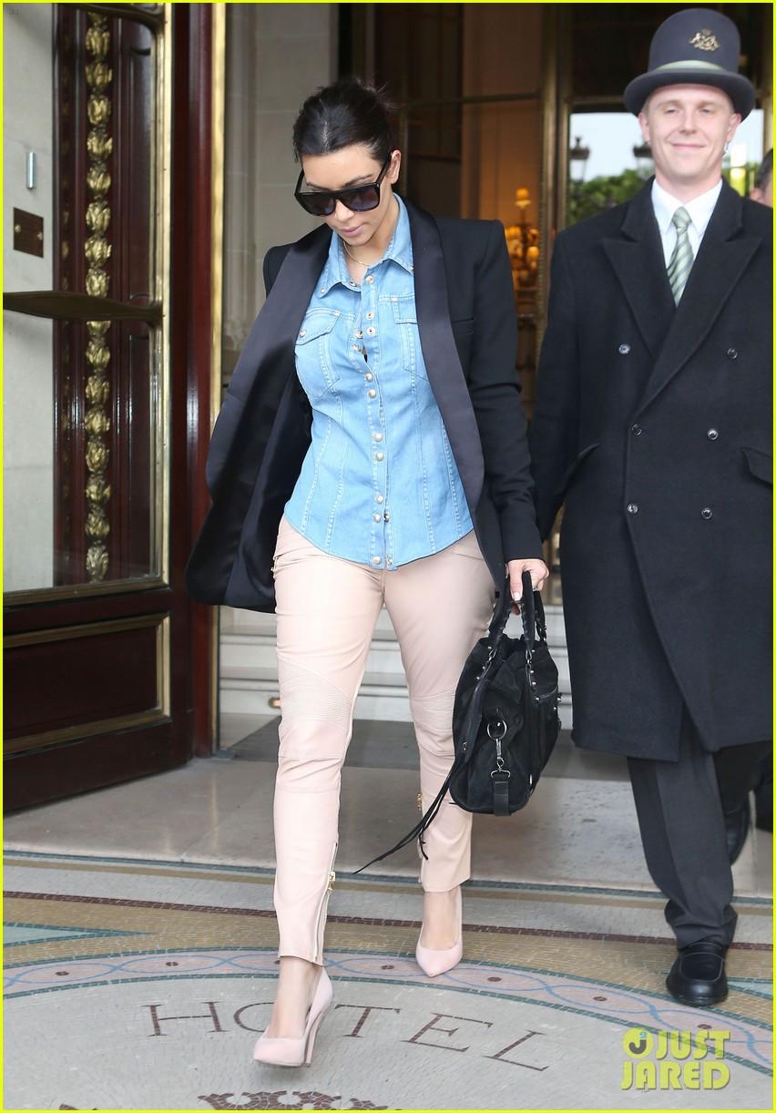 kim kardashian wears same shirt two days in a row after wedding dress shopping 083102925