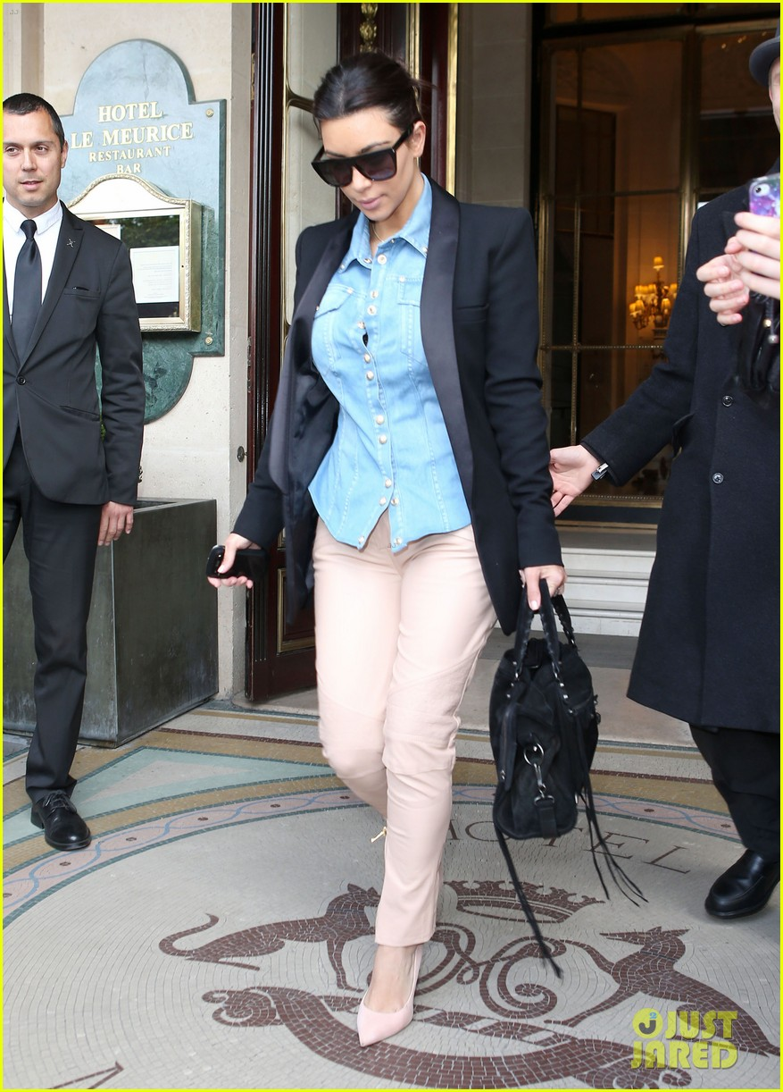kim kardashian wears same shirt two days in a row after wedding dress shopping 093102926