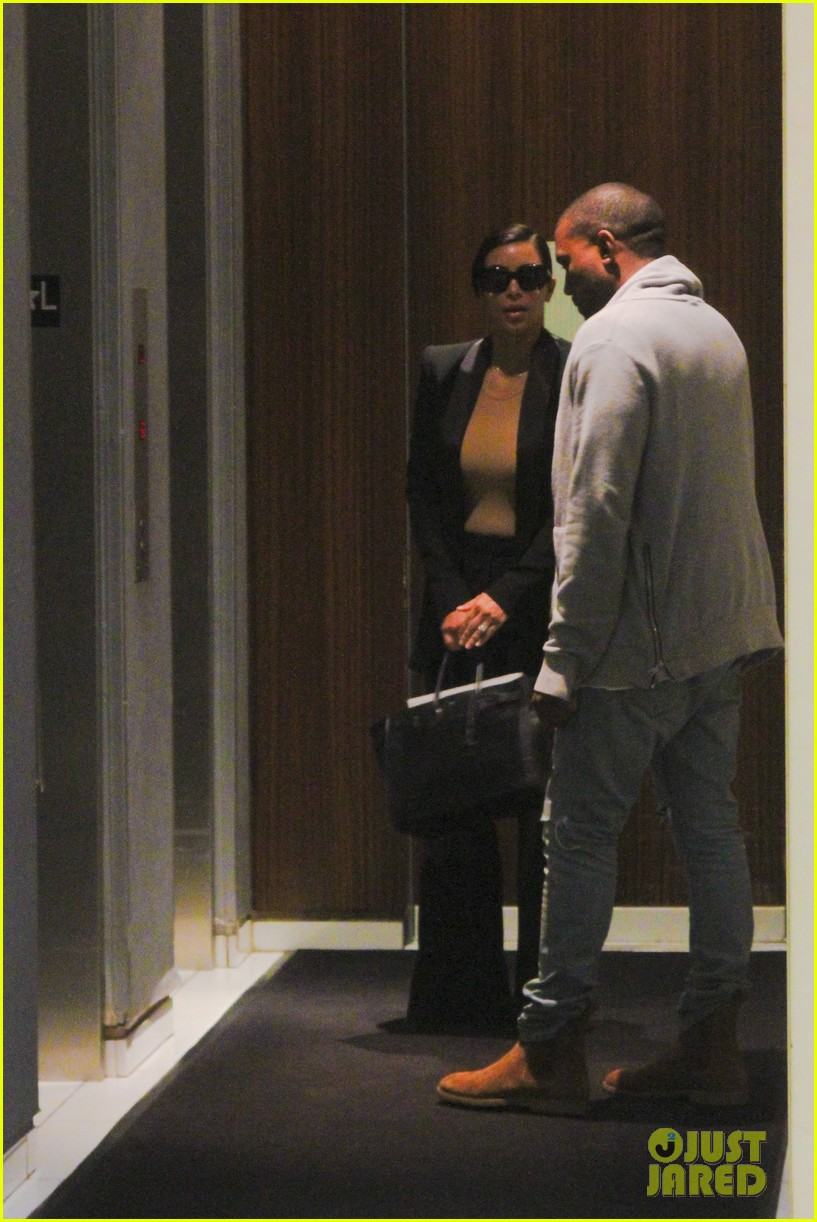 kim kardashian kanye west arrive in nyc after wedding rumors 043105339