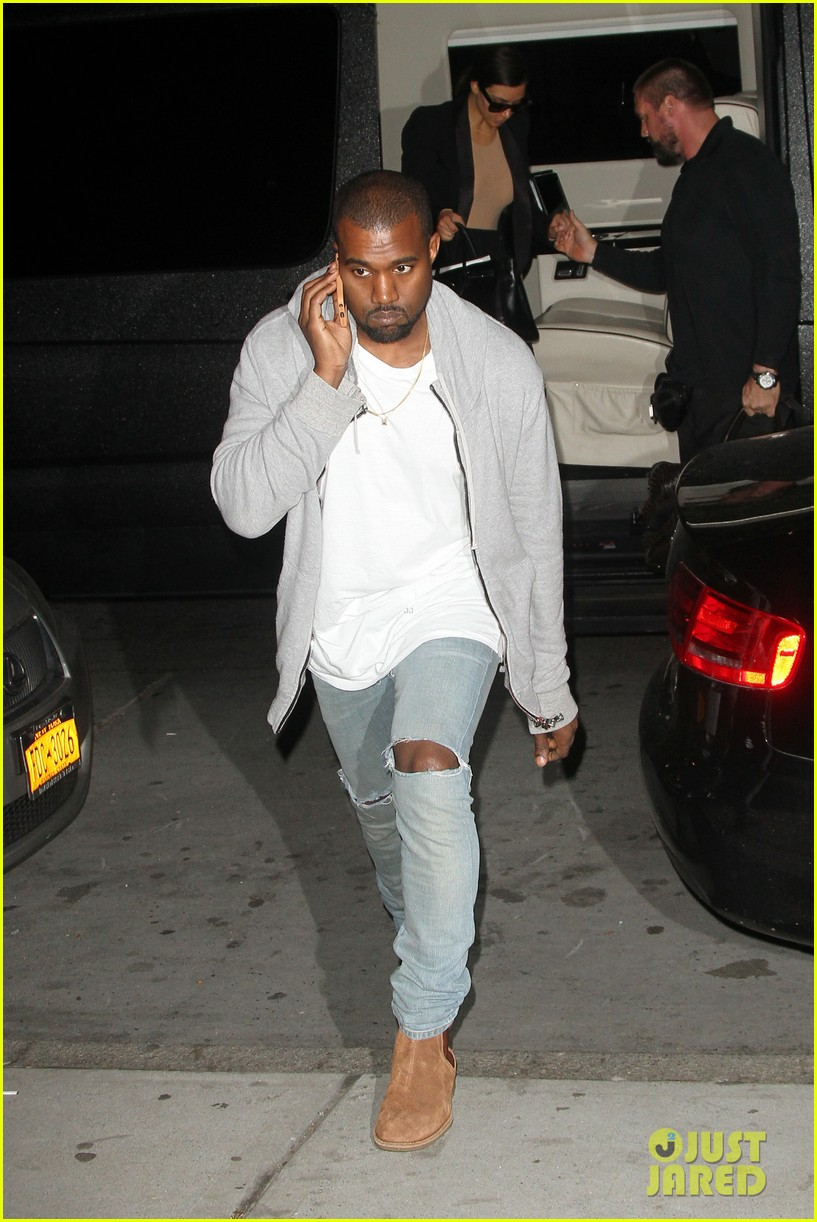 kim kardashian kanye west arrive in nyc after wedding rumors 083105343