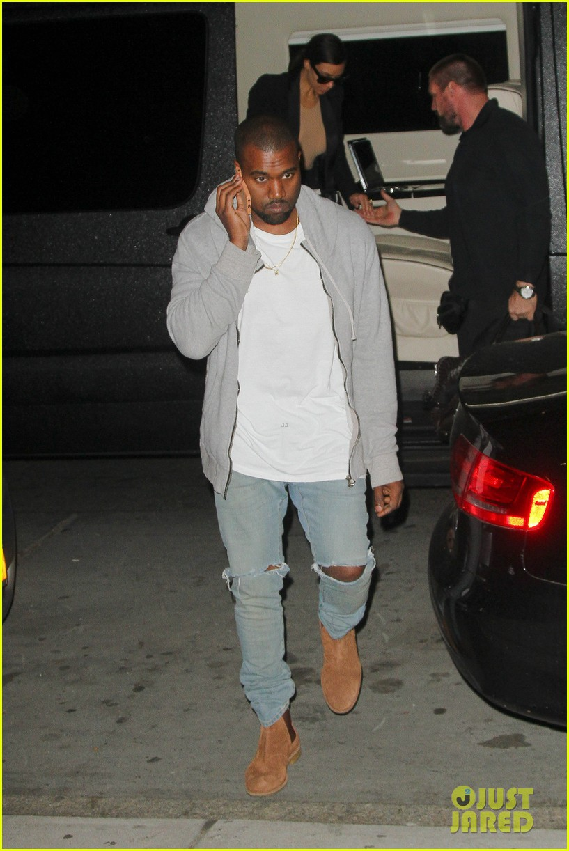 kim kardashian kanye west arrive in nyc after wedding rumors 113105346