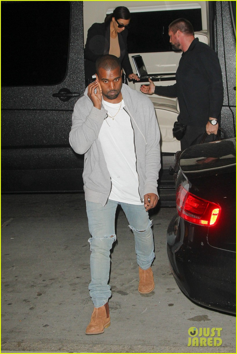 kim kardashian kanye west arrive in nyc after wedding rumors 13