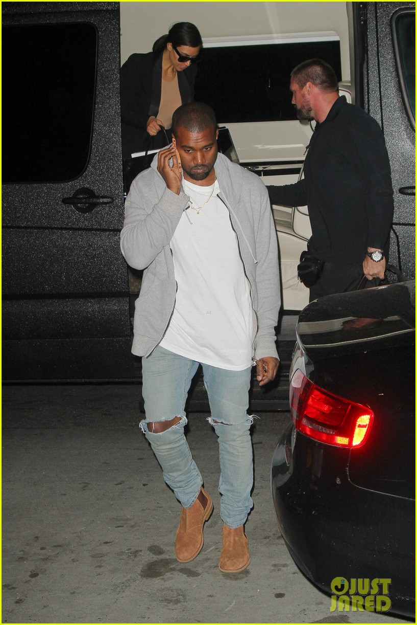 kim kardashian kanye west arrive in nyc after wedding rumors 143105349