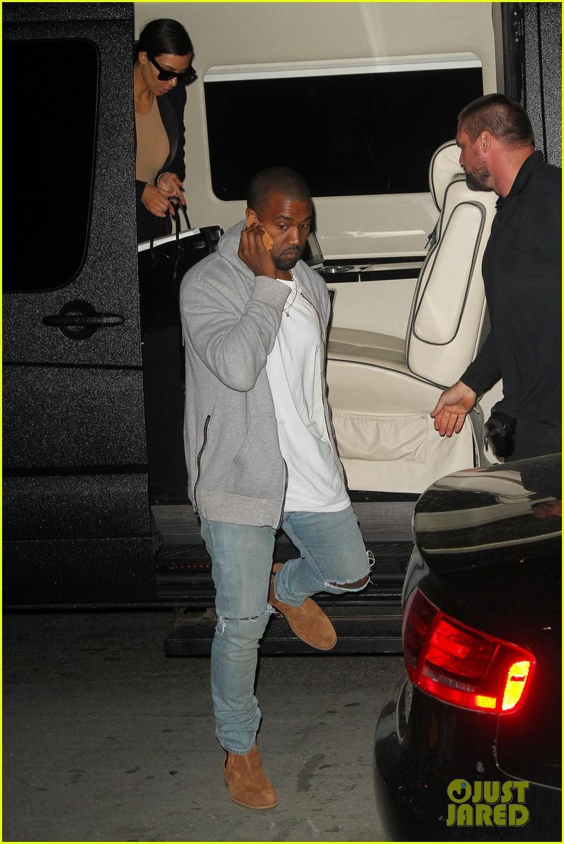 kim kardashian kanye west arrive in nyc after wedding rumors 183105353