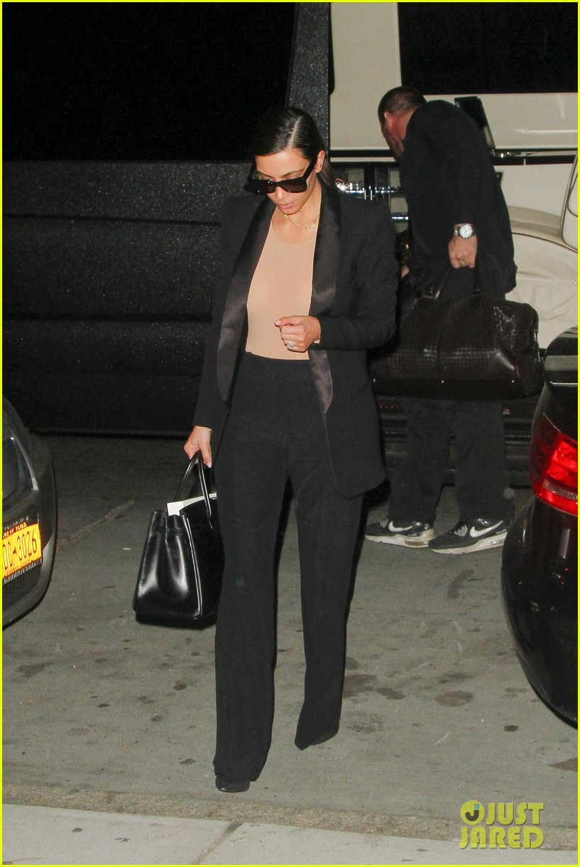 kim kardashian kanye west arrive in nyc after wedding rumors 243105359