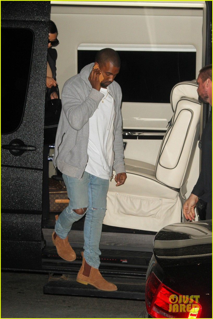 kim kardashian kanye west arrive in nyc after wedding rumors 25
