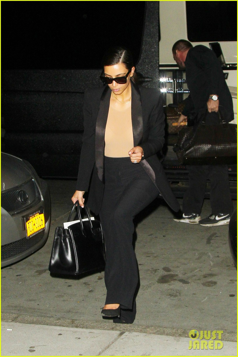 kim kardashian kanye west arrive in nyc after wedding rumors 283105363