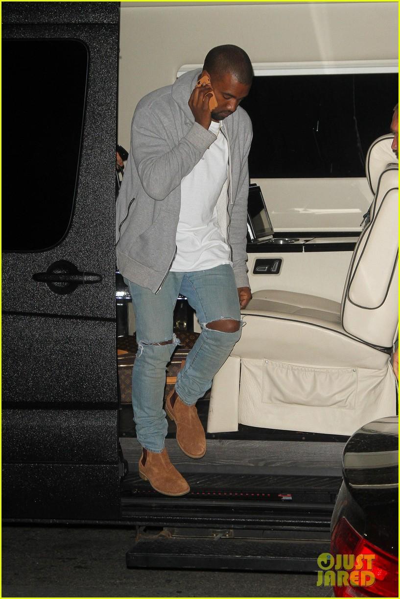 kim kardashian kanye west arrive in nyc after wedding rumors 293105364