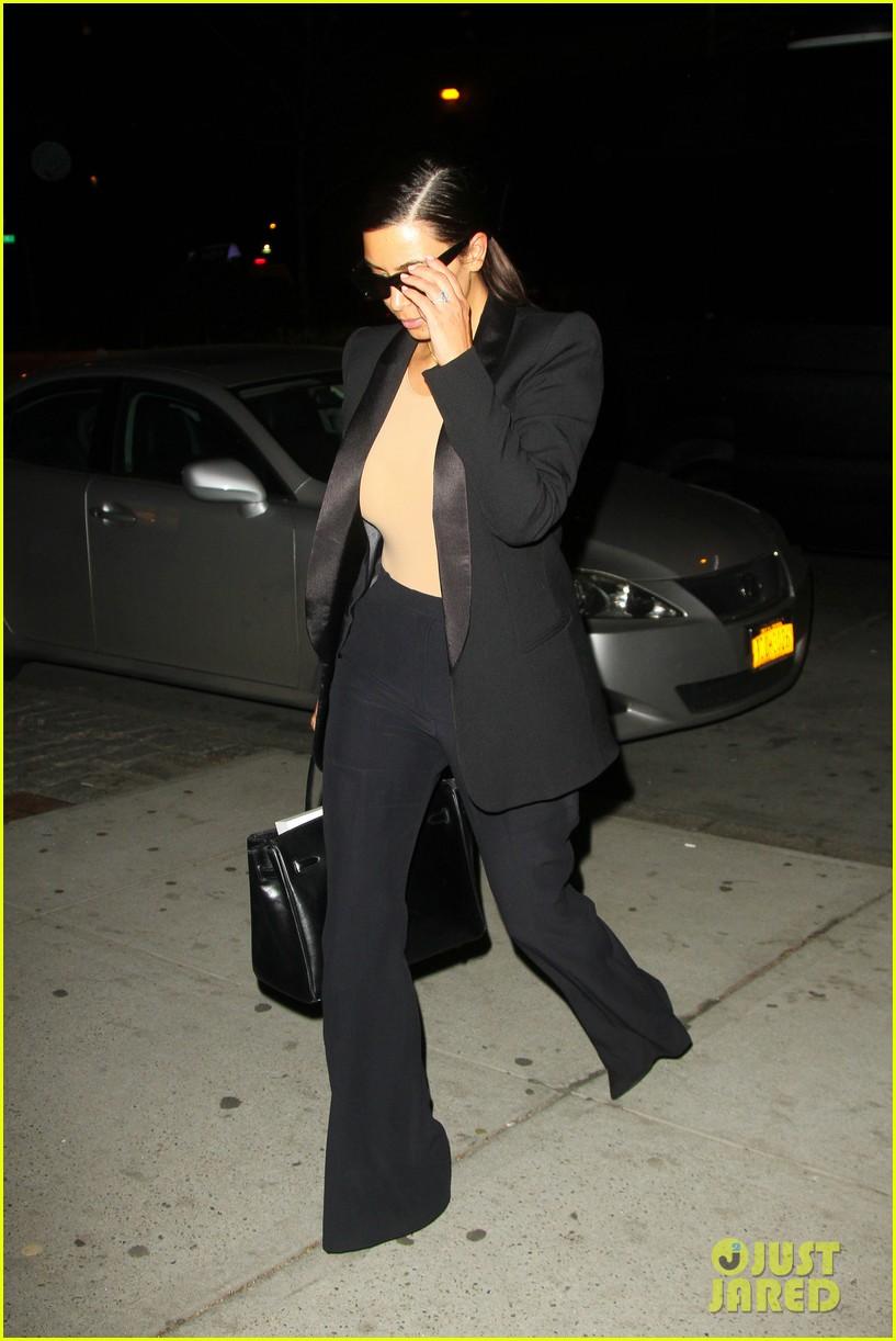 kim kardashian kanye west arrive in nyc after wedding rumors 313105366