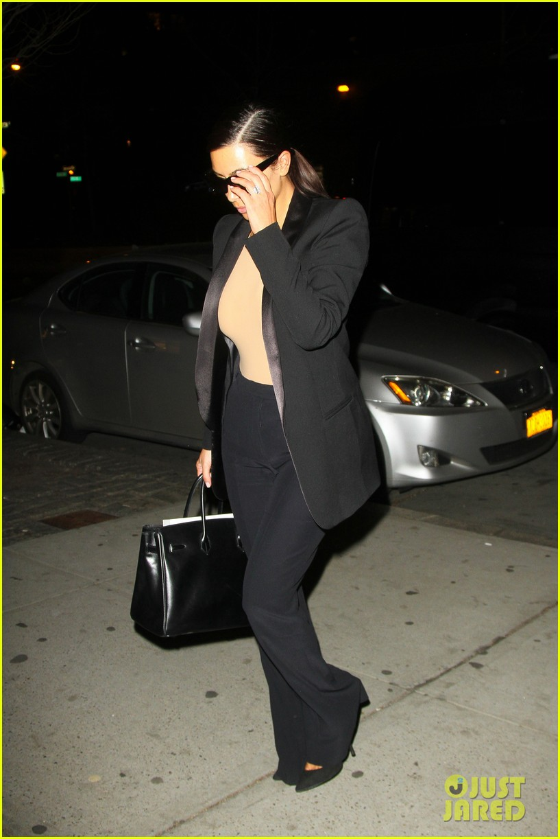kim kardashian kanye west arrive in nyc after wedding rumors 323105367