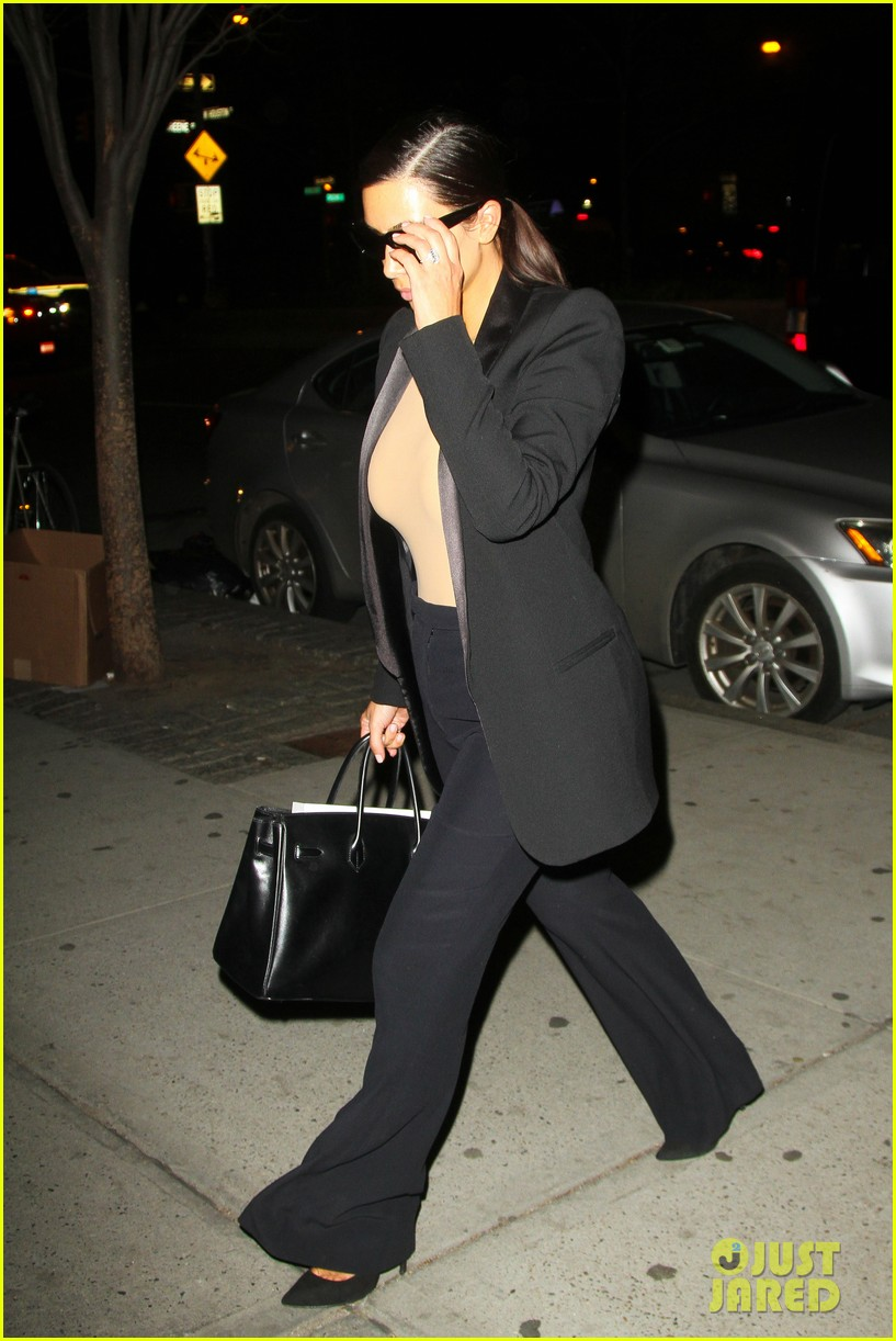 kim kardashian kanye west arrive in nyc after wedding rumors 33