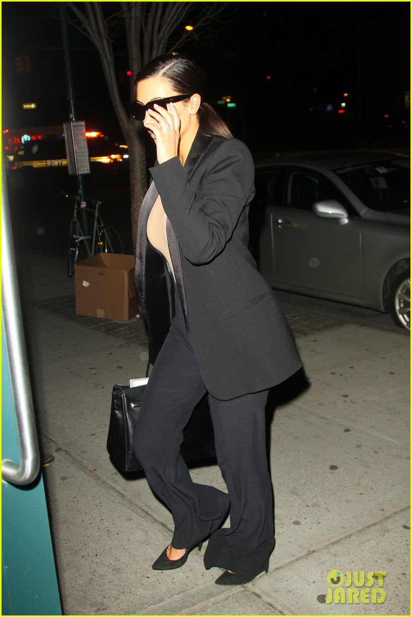 kim kardashian kanye west arrive in nyc after wedding rumors 343105369