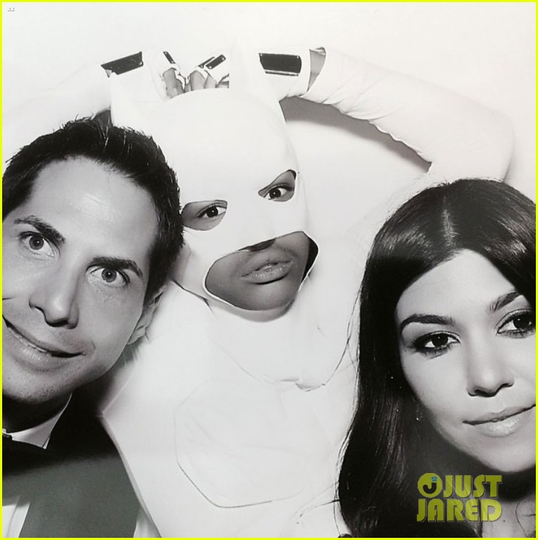 kim kardashian kanye west wedding photo booth 083121825